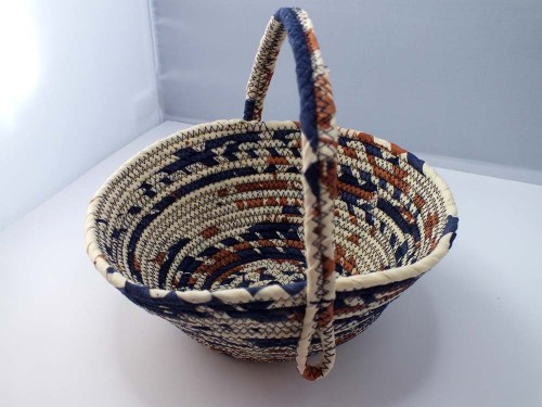 blue beige basket b